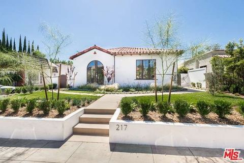 217 N Doheny Dr, Beverly Hills, CA 90211