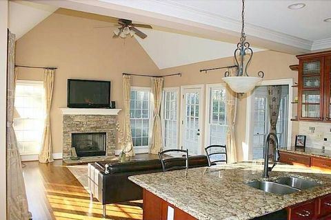 Photo of 105 Cartier Ct, Roswell, GA 30076