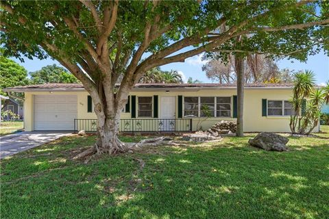 Photo of 369 Hillview Rd, Venice, FL 34293