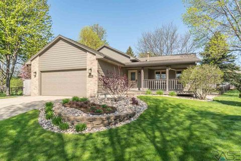 Photo of 3400 E Bahnson Cir, Sioux Falls, SD 57103