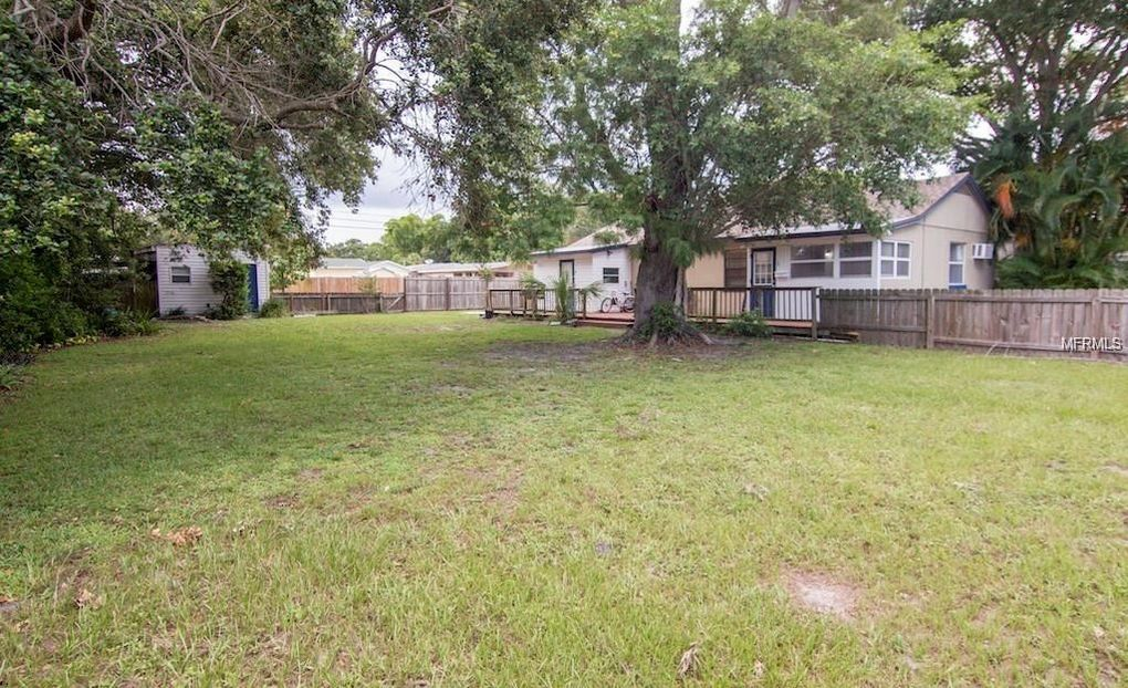 5717 20th Ave S, Gulfport, FL 33707