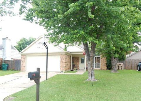 3729 Farm Field Ln, Fort Worth, TX 76137