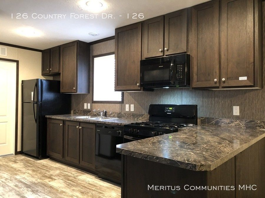 126 Country Forest Dr Unit 126, Fort Wayne, IN 46818