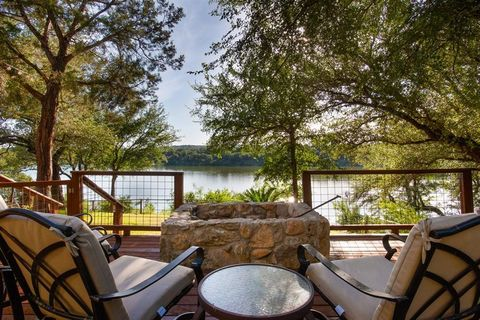 Photo of 1348 Lakeshore Dr, Spicewood, TX 78669