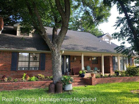 Photo of 1701 Bluebonnet Ln, Kingsland, TX 78639