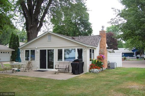 Photo of 12995 Pleasant Ave, Lindstrom, MN 55045