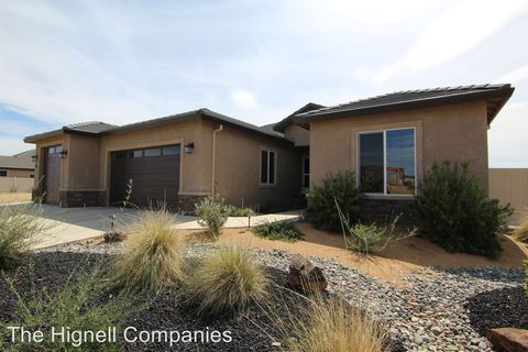 Photo of 3800 Thomason Trl, Redding, CA 96002