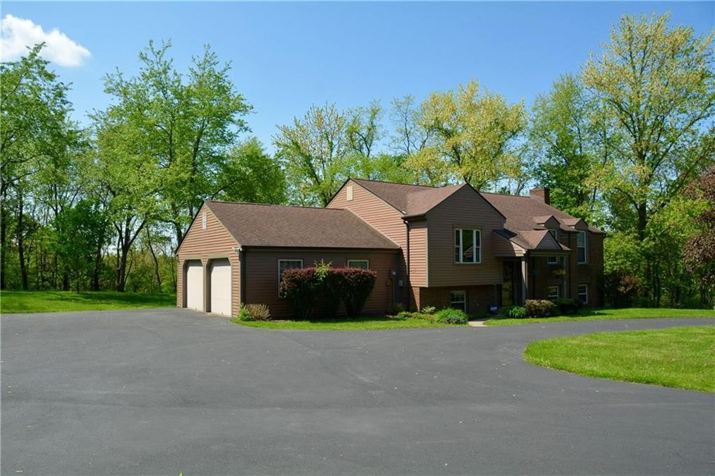5190 Windy Hill Dr, Hampton, PA 15044