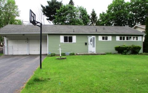 Photo of 107 Willowen Dr, Rochester, NY 14609