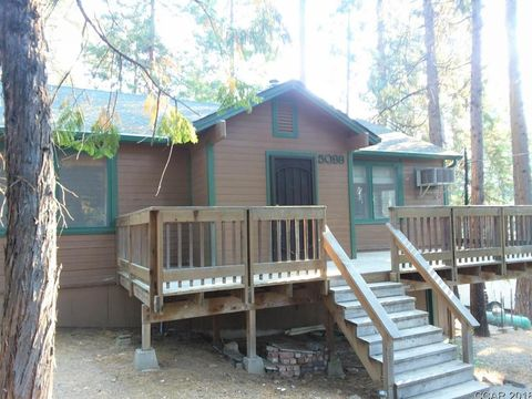 Photo of 5099 Hillcrest Dr, Hathaway Pines, CA 95233