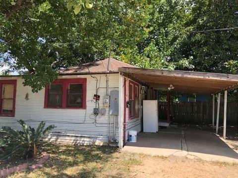 507 S Liberty St, El Campo, TX 77437