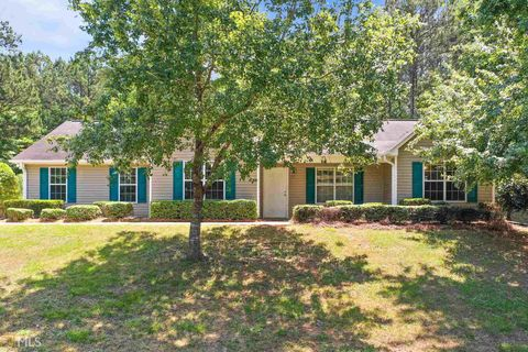 Photo of 305 Wolf Creek Pl, Locust Grove, GA 30248