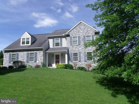Photo of 400 Campbell Rd, York, PA 17402