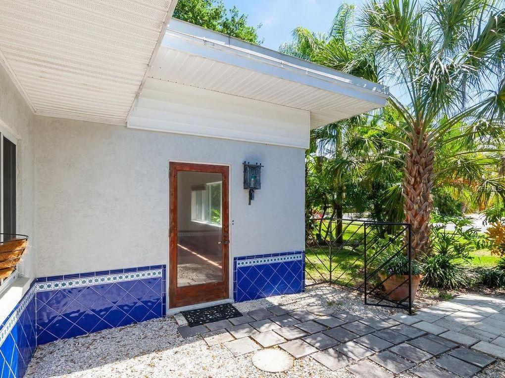 327 Hernando Ave, Sarasota, FL 34243