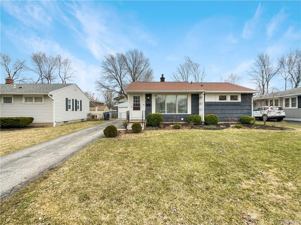 139 Mapleview Dr Amherst, NY 14226