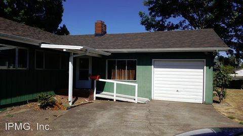 Photo of 1544 Nw Highland Dr, Corvallis, OR 97330