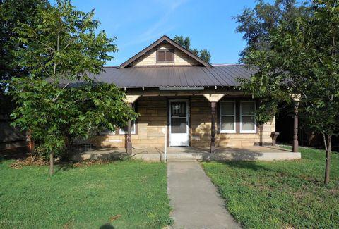 Photo of 404 Main St, Shamrock, TX 79079
