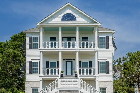 Awesome Waterfront Homes For Sale In Cedar Point Nc Realtor Com Download Free Architecture Designs Scobabritishbridgeorg