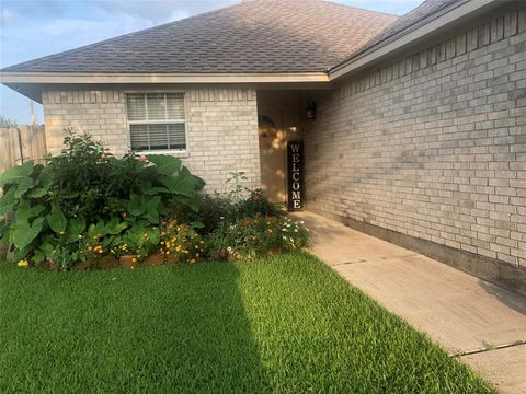 Incredible 4006 19Th St N Texas City Tx 77590 Home Interior And Landscaping Ymoonbapapsignezvosmurscom