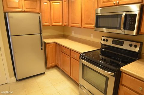 Photo of 530 N Main St Apt 302, Butler, PA 16001