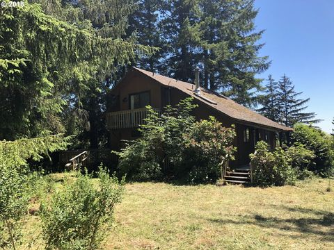20313 Whaleshead Rd, Brookings, OR 97415