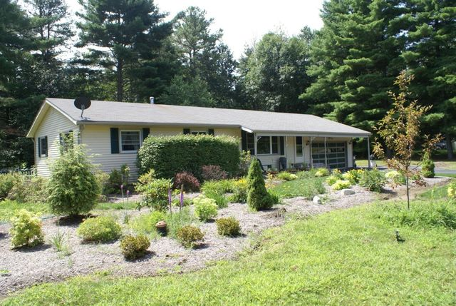 1 cherokee ln queensbury ny 12804 home for sale and