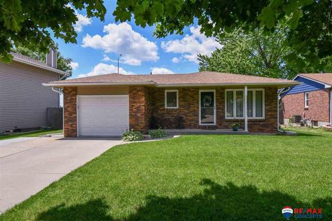 Photo of 625 Sunny Slope Rd, Lincoln, NE 68505