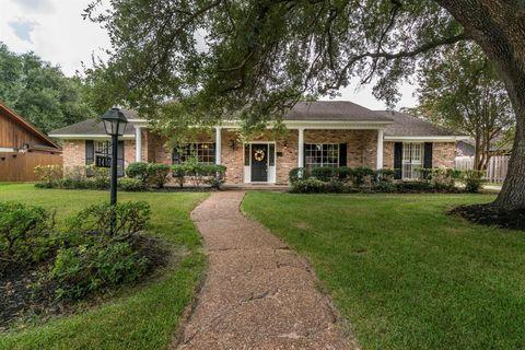 Photo of 1410 Antigua Ln, Houston, TX 77058