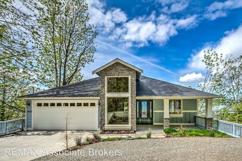 Photo of 12602 Possession Ln, Edmonds, WA 98026