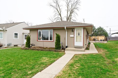 Photo of 3433 W Lynndale Ave, Greenfield, WI 53221
