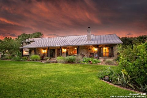 Photo of 29242 Seabiscuit Dr, Boerne, TX 78015