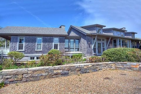 Photo of 78 Hines Point Rd, Tisbury, MA 02568