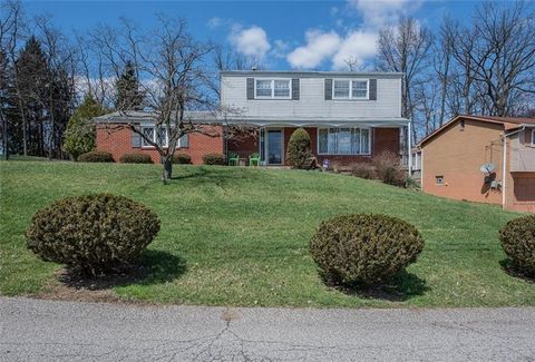 Photo of 163 Deerfield Dr, Penn Hills, PA 15235