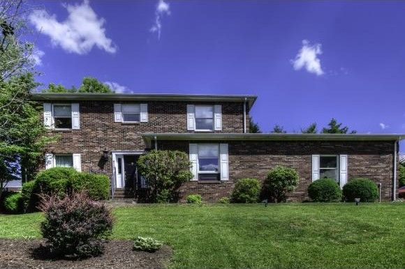 6110 old jonesboro rd bristol tn 37620 home for sale for Classic house bristol