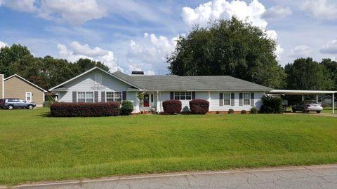Photo of 170 Springlake Dr, Leesburg, GA 31763