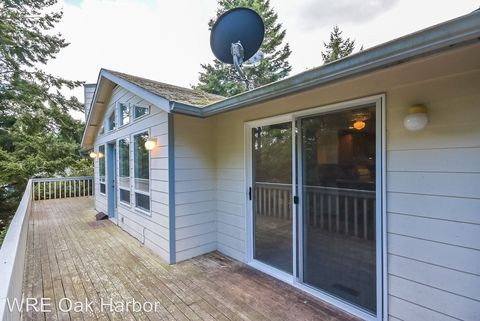 Photo of 2077 Boulder Meadow Ln, Oak Harbor, WA 98277