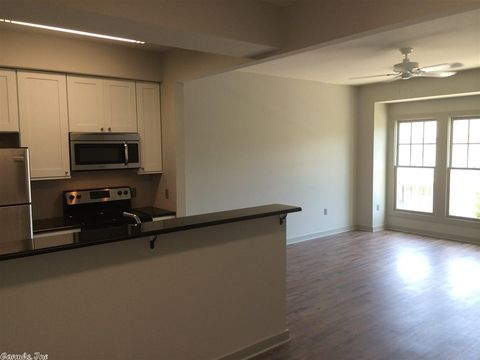 Photo of 1875 Mc Kennon St Apt 10, Conway, AR 72032