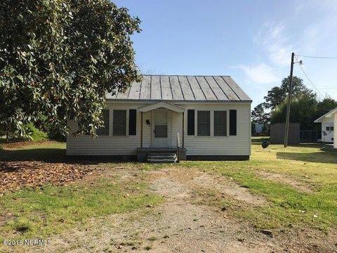 102 Hadley St, La Grange, NC 28551