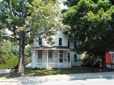 322 W Central Ave, Bangor, PA 18013