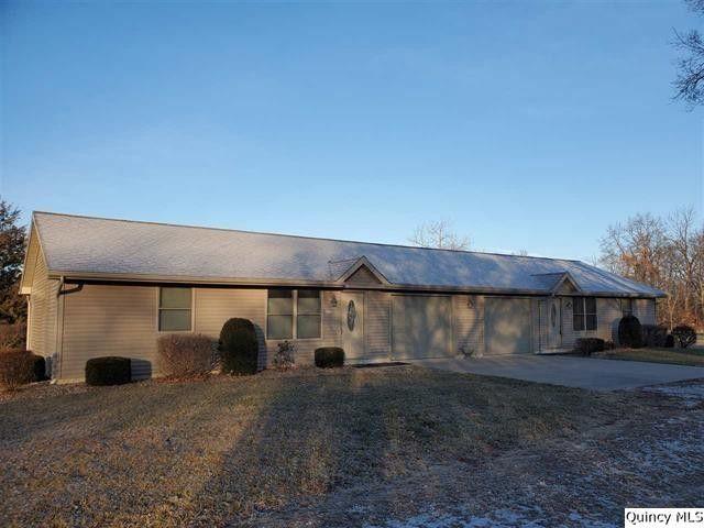 818-822 E County Road 80 Mendon, IL 62351