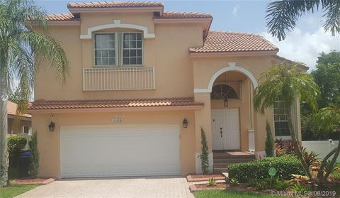 Photo of 18438 Nw 10th St, Pembroke Pines, FL 33029