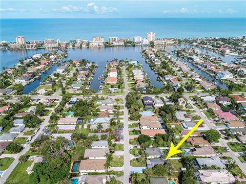 Photo of 535 97th Ave N, Naples, FL 34108