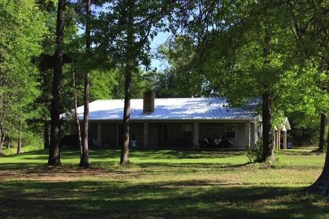 Photo of 1401 County Road 4120, Simms, TX 75574
