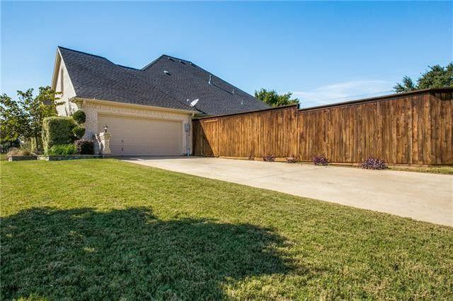 510 Castlerock Cir, Grand Prairie, TX 75052
