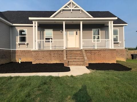 Photo of 178 Hawthorne Dr, Winchester, KY 40391