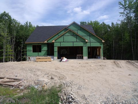Photo of 14 Woodrow Dr, Standish, ME 04084