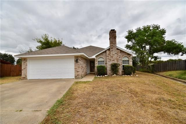 512 Oak Ridge Ct Crowley, TX 76036