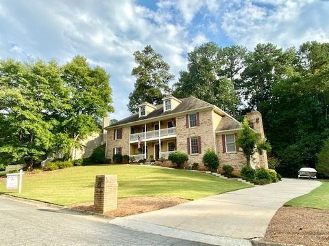 Photo of 3886 Morris Ct, Peachtree Corners, GA 30092