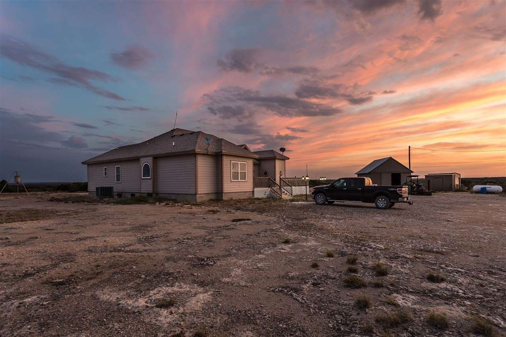 1367 Cow Pen Rd, Comstock, TX 78837