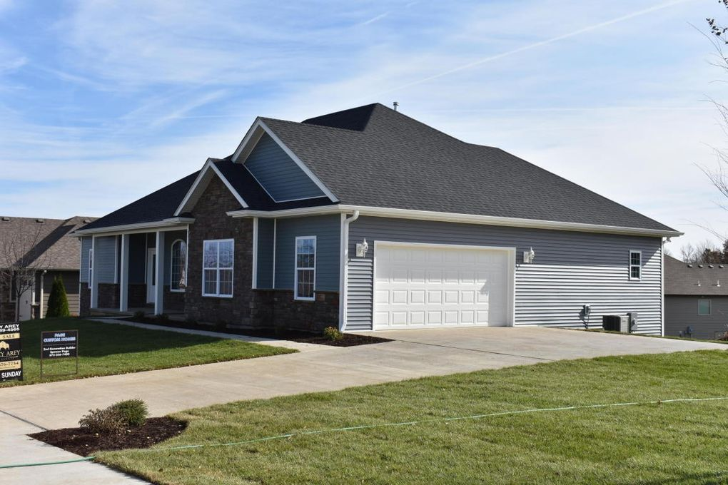3808 Timber Run Dr, Columbia, MO 65203